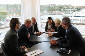 På bilden, fr. vänster: Petter Ekman, Näringslivsbolaget, Mats Ericsson, SEB, Robert Svedberg SEB, Karin Tunbratt, SEB, Madeleine Blom, Sundsvalls kommun och Jonas Albecker Näringslivsbolaget.